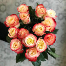 15 роз Cabaret