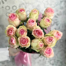 15 роз Esperance