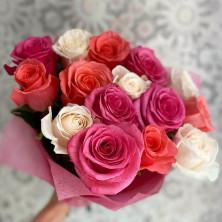 15 роз микс розовый