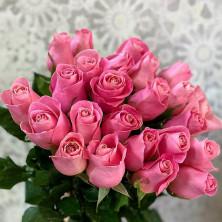 25 роз Hermosa